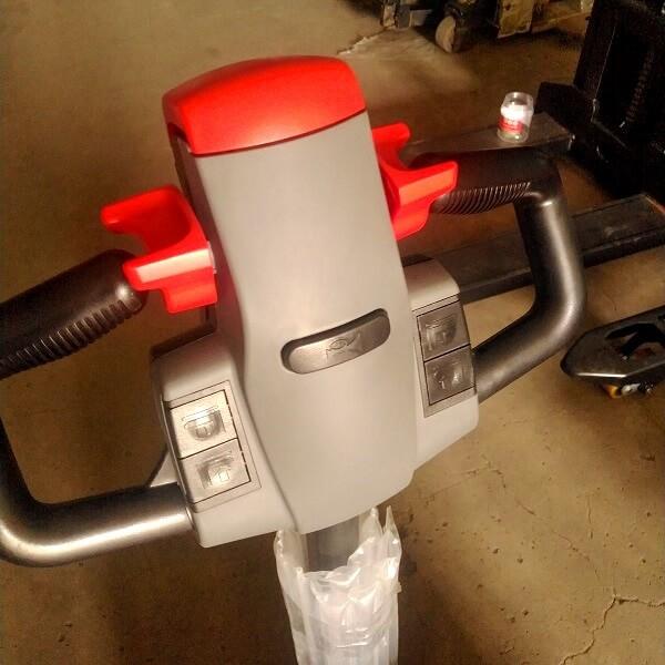 Tay cầm điều khiển của xe nâng điện 2000kg