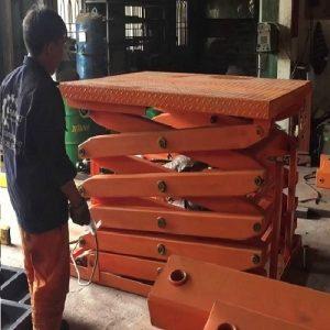 bàn nâng thủy lực 1 tấn lên 6m giá rẻ tại Hồ Chí Minh