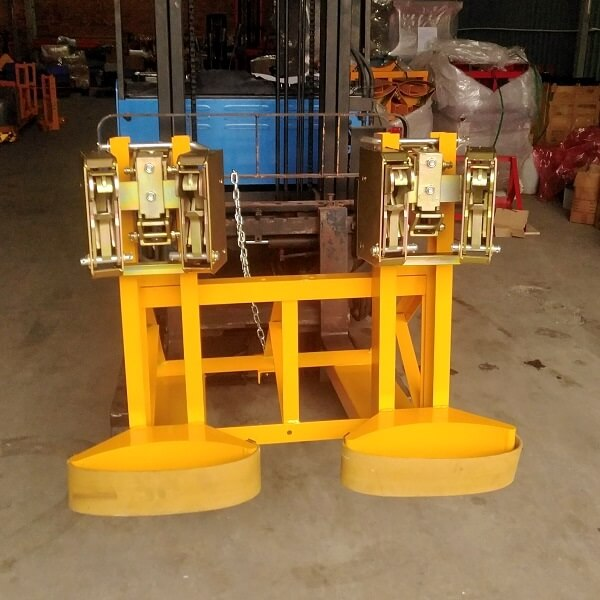 Bộ kẹp thùng phuy 4 đầu gắp tải nâng 1000kg có sẵn tại HCM
