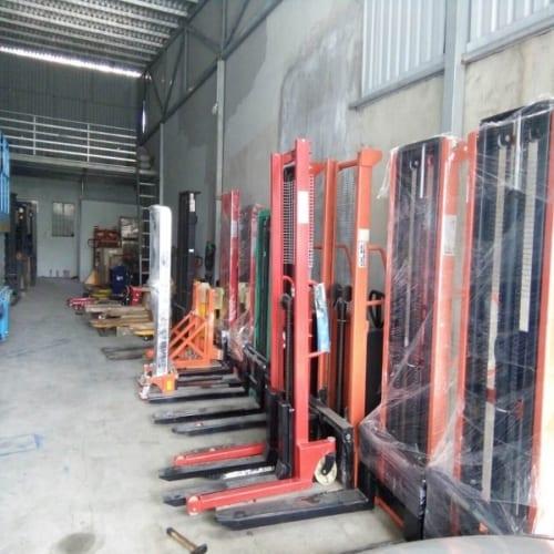 Xe nâng tay cao ở Đà Nẵng - Xe nâng tay 1 tấn 2m