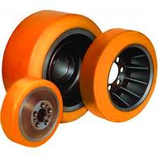 Gia công, bọc bánh xe nâng điện mới tại HCM