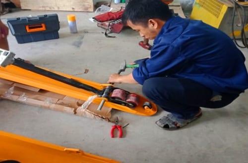 3 Sai Lầm Làm Hư Hỏng Xe Nâng Tay Nhanh Chóng