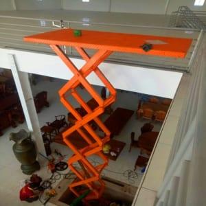 Bàn nâng thủy lực 2 tấn cao 5m có sẵn tại Hưng Việt