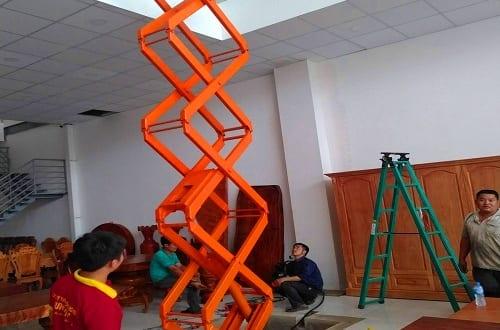 Sửa chữa bàn nâng điện tận nơi bởi Hưng Việt