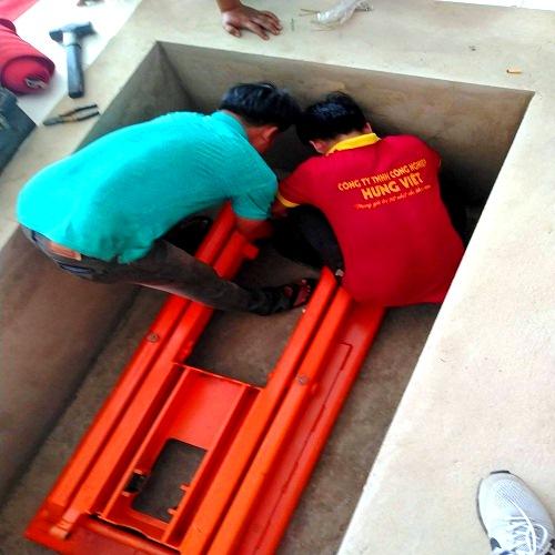 Lắp ráp bàn nâng hàng 2 tấn 5,2m