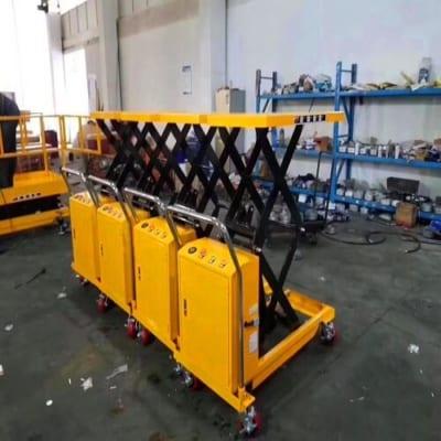 Xe nâng mặt bàn điện 800kg cao 1,5m có sẵn tại Hưng Việt