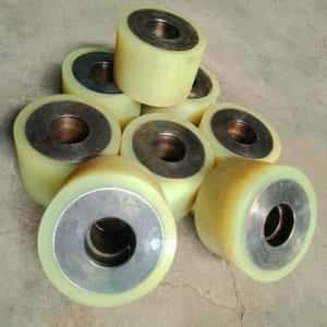 Đắp bánh xe PU lõi thép giá rẻ tại HCM