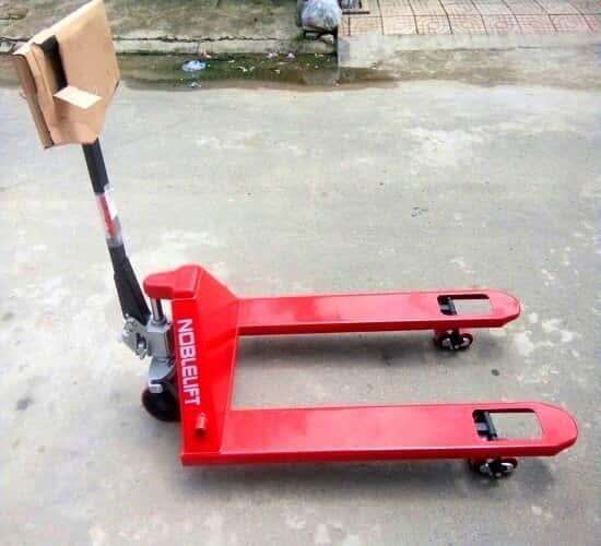 Xe nâng tay 3 tấn tại Đà Nẵng chất lượng của Đức