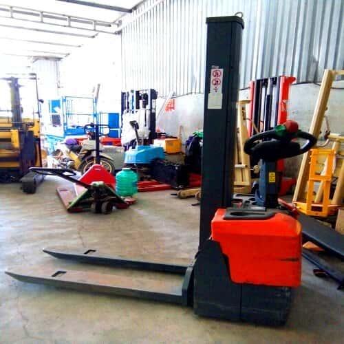 Xe nâng điện cao 1 tấn lên 1,6m cũ giá rẻ tại HCM