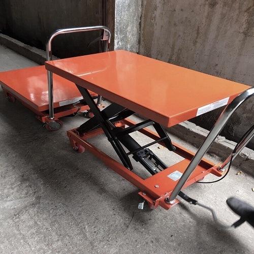 Xe nâng mặt bàn cũ giá rẻ chỉ 3 triệu tại Hưng Việt