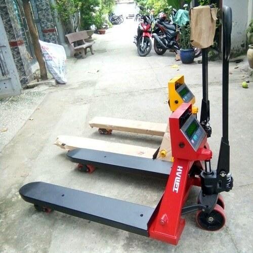 Xe nâng pallet có cân điện tử tại HCM