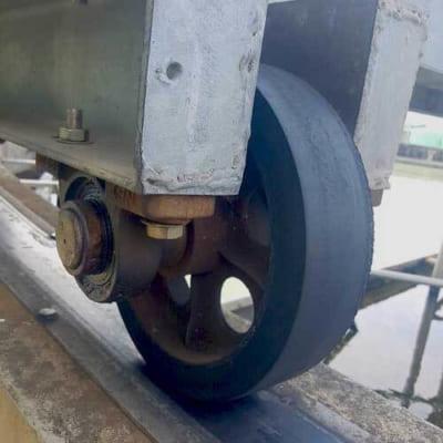 Bánh xe cao su phi 300mm cho hồ xử lý nước thải