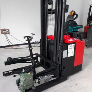 Xe nâng thùng phuy tự động hoàn toàn bằng điện