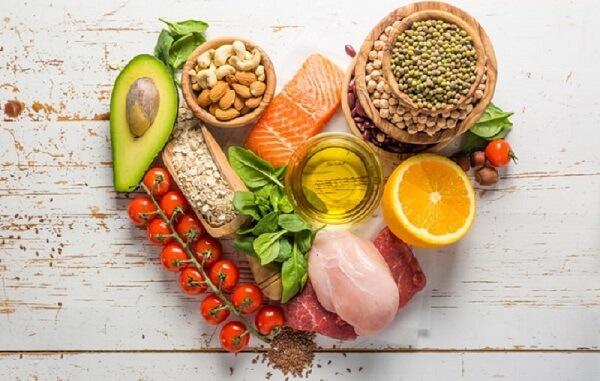 Ăn đủ dưỡng chất cần thiết và chế độ cân đối để tăng sức đề kháng